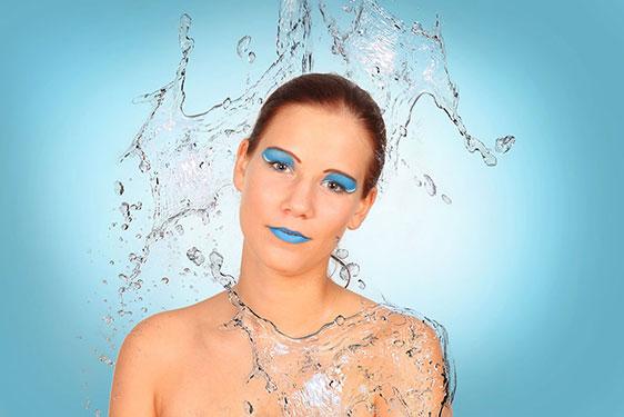 Stefanie Water Splash